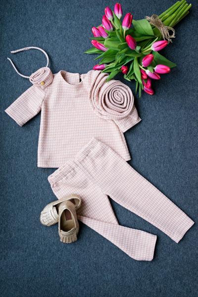 Сет от няколко части, панталонки, блуза, аксесоар от Salzarra